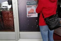 Akcija-lepljenja-plakata-protiv-rodno-zasnovanog-nasilja-3