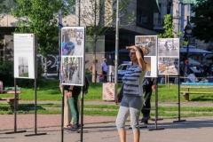Pešaci-čekaju-rezultate-referenduma7