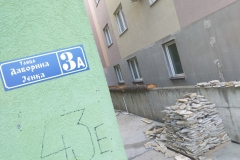 Stanari-zgrade-u-Mirijevu-sami-uređuju-mesto-za-druženje-u-dvorištu-11