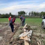 Građani Sremske Mitrovice bore se za dodatni prostor za igru za svoju decu u selu Laćarak