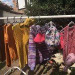 Tinejdžeri na sedenću: Jubilarna peta škola pletenja u Pirotu